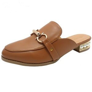 Shoes - $15 ✨ Brown mules ✨ pearled heel HOST PICK